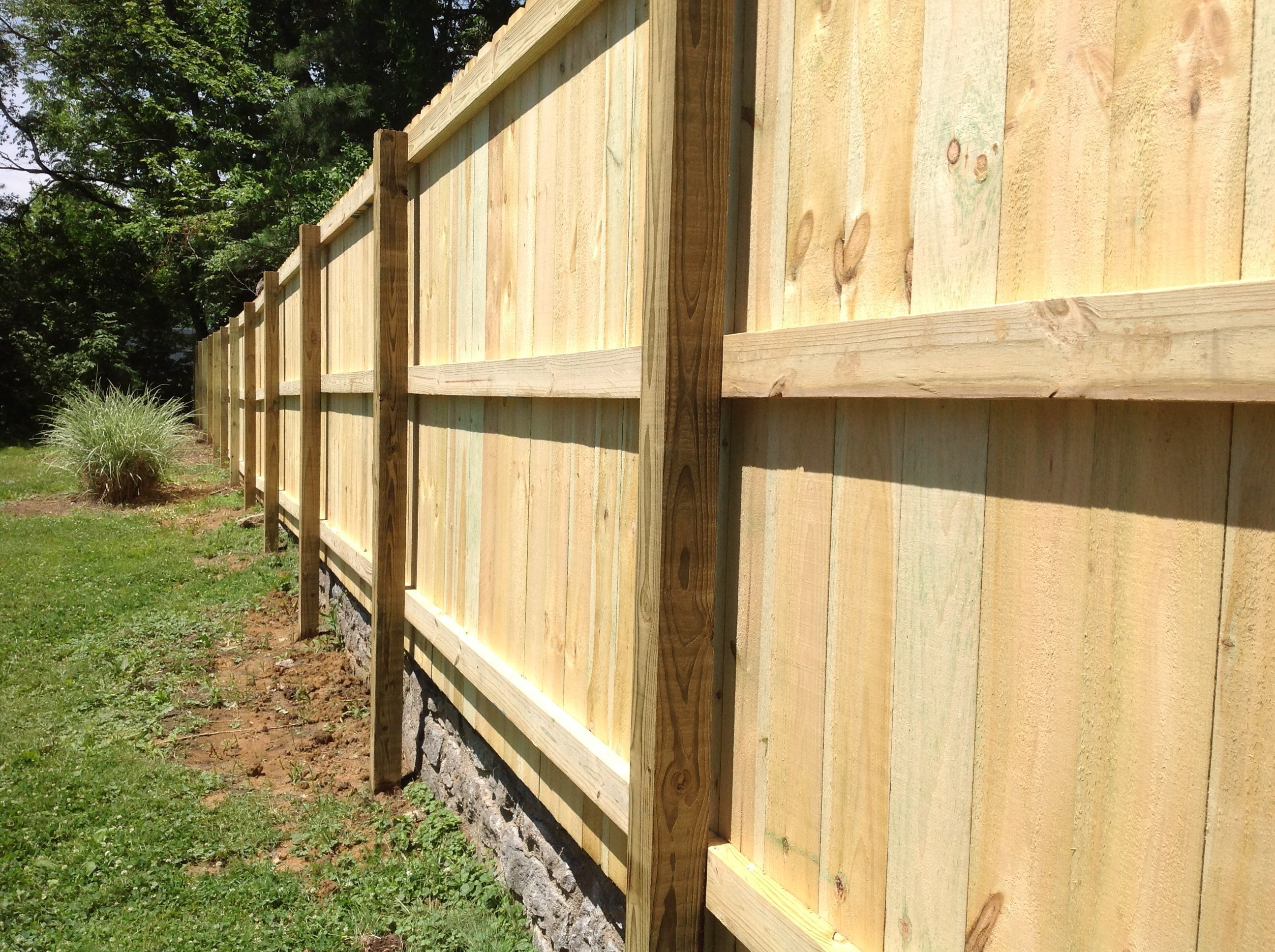 Unusual Retaining Wall Fence Ideas Images - The Wall Art Decorations ...